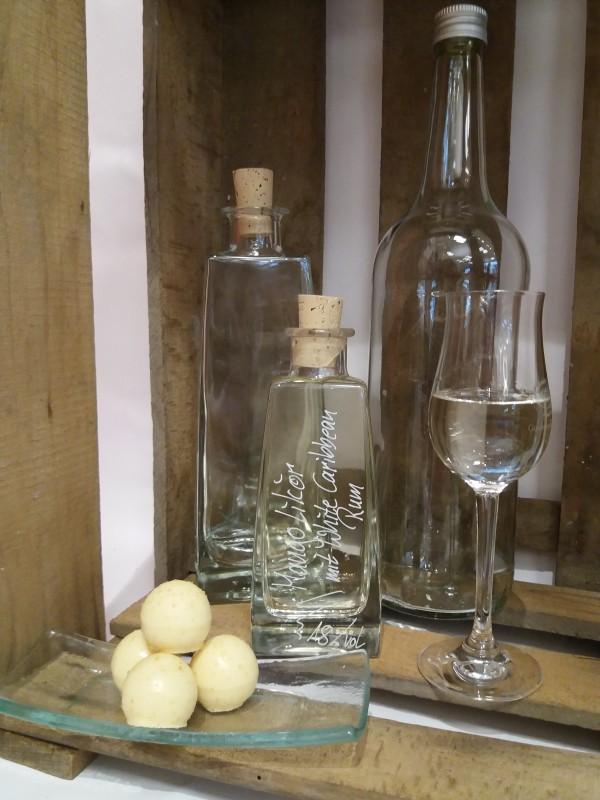 Mangolikör mit White Caribbean Rum
